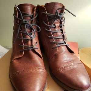 Comfortiva leather boots 10W